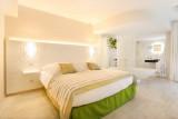 hotel de gantes aix en provence tourist office booking center
