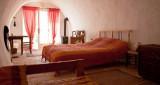 le deffend vieux trets pays d'aix en provence maison d'hotes office du tourisme centrale de reservation
