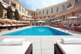 Grand hôtel du Roi René - Piscine
