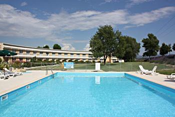 Best Western Aix Sainte Victoire - La piscine