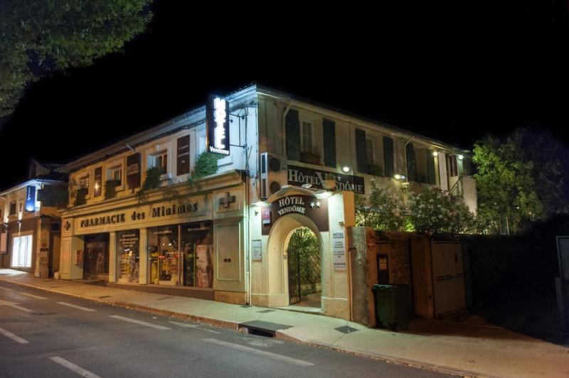 facade-hotel4-22859