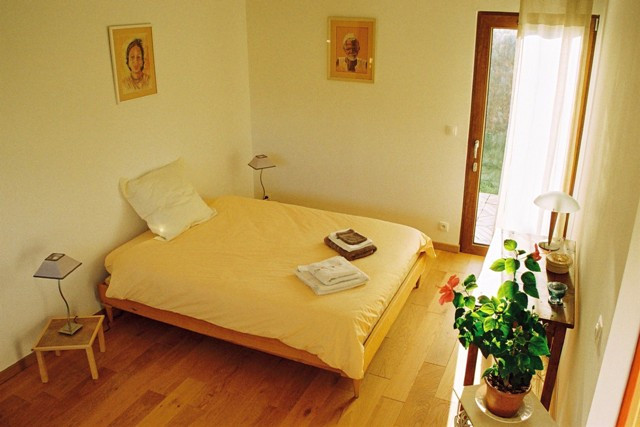 holzhaus bed and breakfast reservation tourist office aix en provence booking center