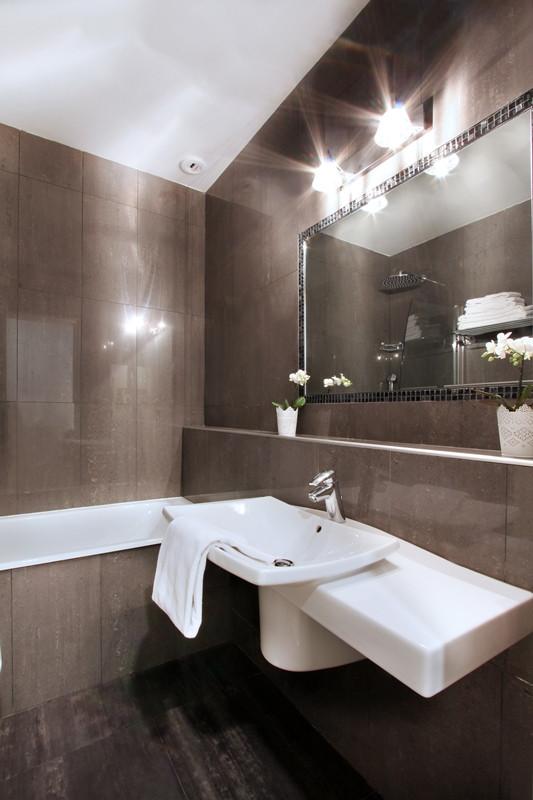 Hôtel des quatre dauphins - Salle de bain