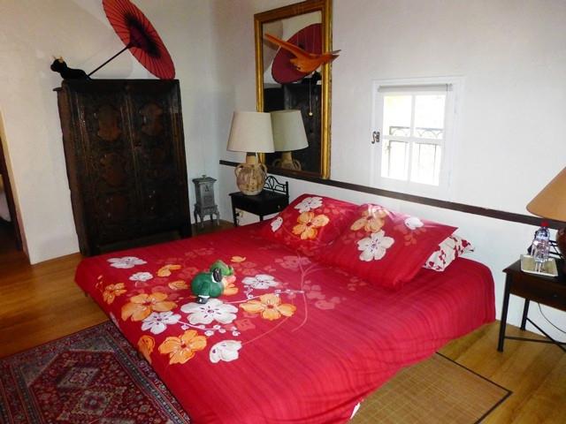 La Ferme bed and breakfast aix en provence st marc jaumegarde tourist office booking center