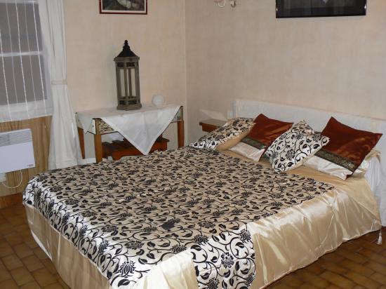 la jacquiere chambre d'hôtes vauvenargues aix en provence office de tourisme centrale de reservation