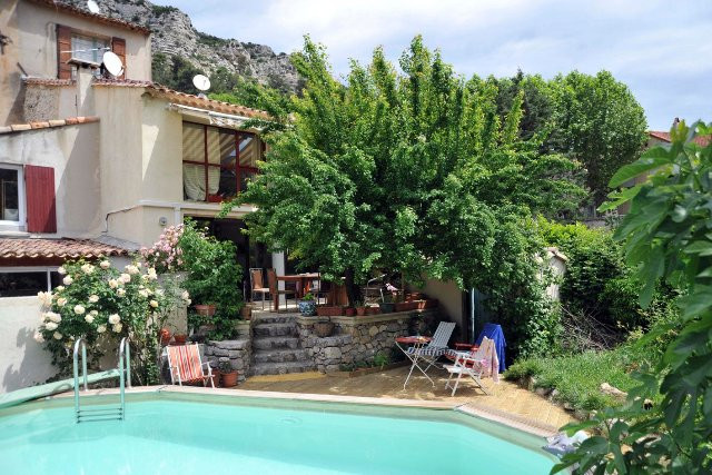 La Marie Louise Bed&Breakfast Vauvenargues Tourist office booking