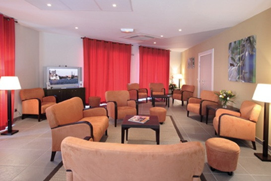 Park and Suites Rousset - Salle TV