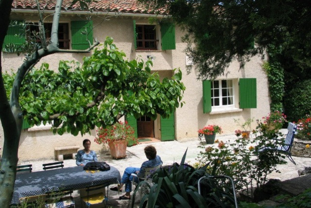 Host's house central reservation office tourism aix provence rent hosting