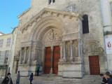church saint-trophime arles Aix en Provence tourist office  booking center