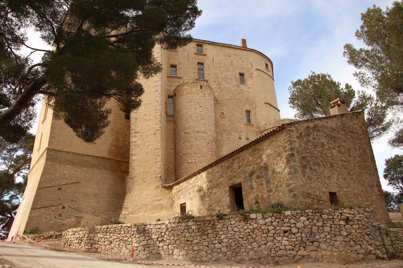 Le chateau de Meyrargues