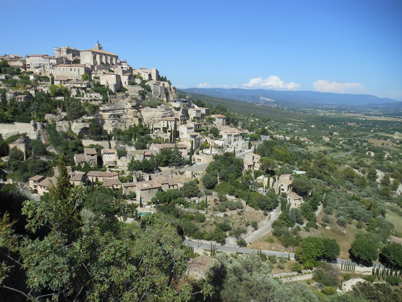 gordes village Aix en Provence tourist office  booking center
