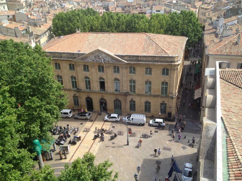 Visite guidée pédestre en anglais : PATRIMOINE CACHE DU CENTRE ANCIEN